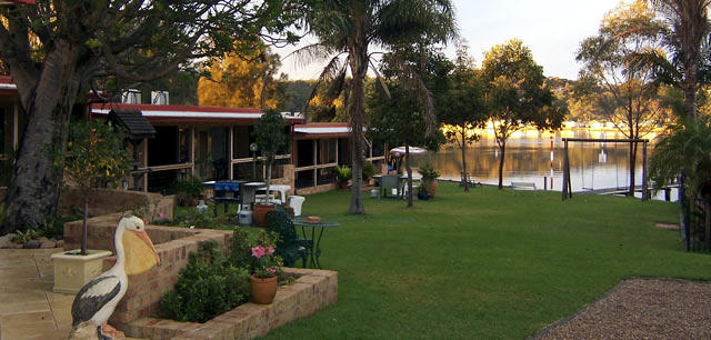 Waterfront Accommodation Burrill Lake NSW South Coast
