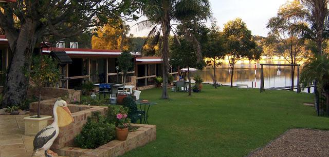 Waterfront Accommodation Burrill Lake NSW South Coast